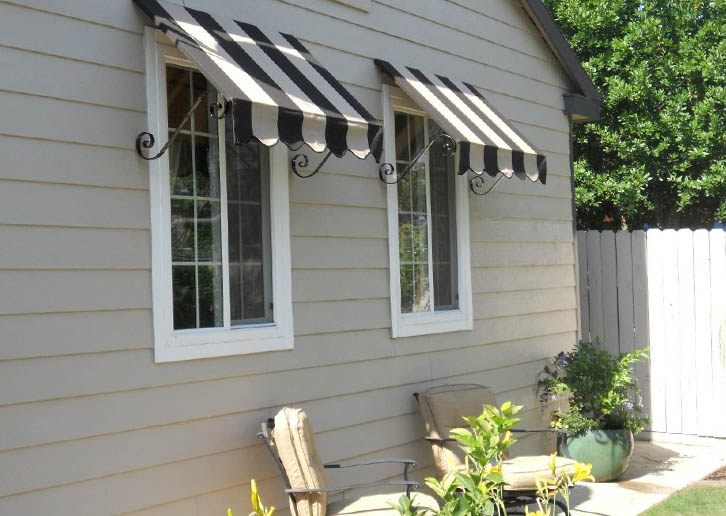 kanopi kain model garis hitam putih